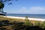 Widok na plażę w Dębkach