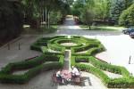 Krokowa - dziedziniec zamkowy oglądany z sali balowej zamku